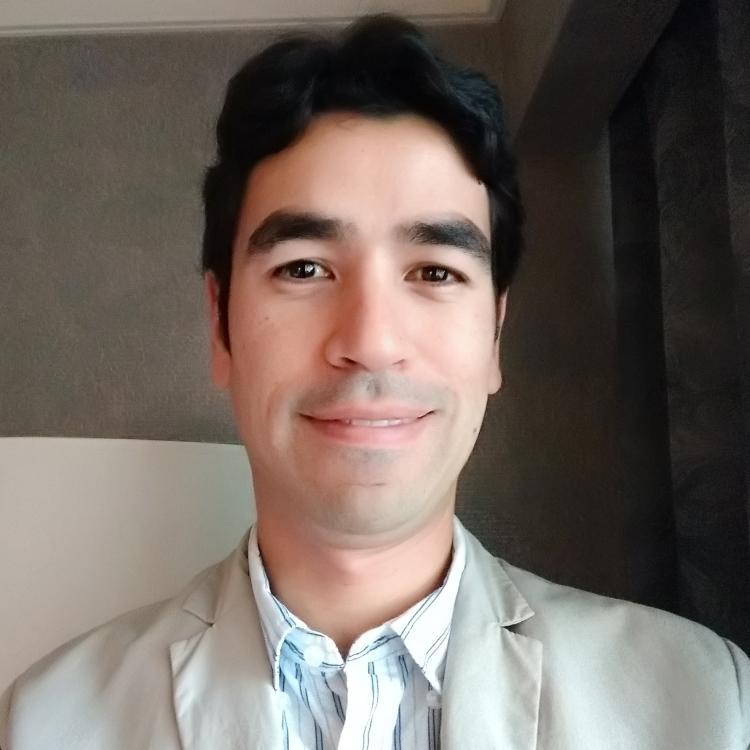 Dr.  Glenio Mizubuti